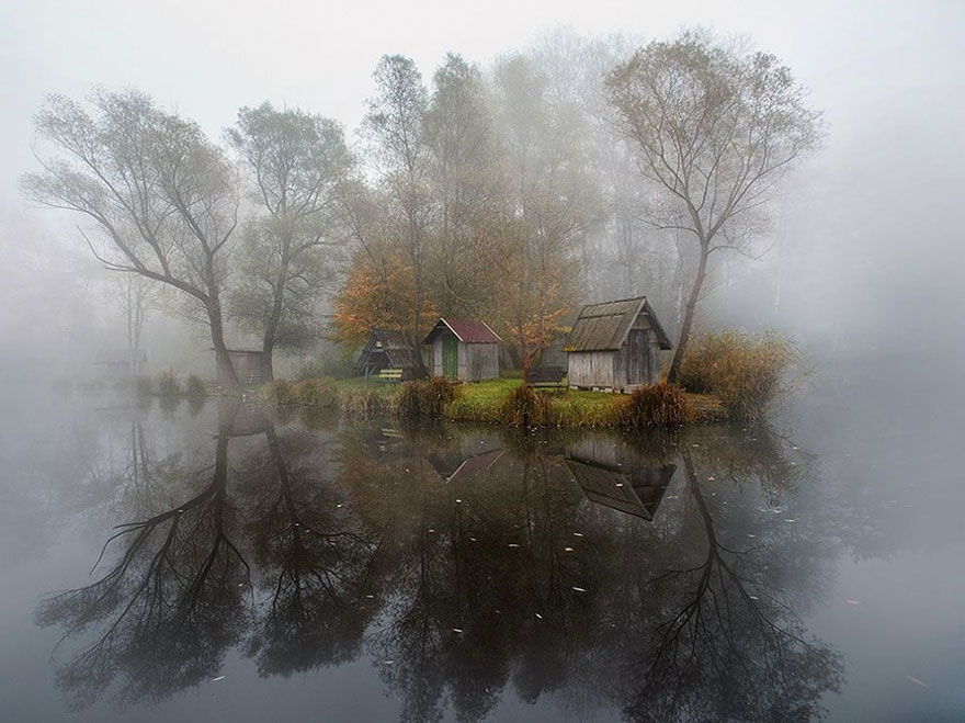 PHOTOGRAPH BY GABOR DVORNIK